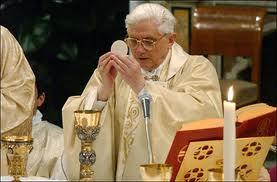 eucharistie_paus_benedictus.jpg